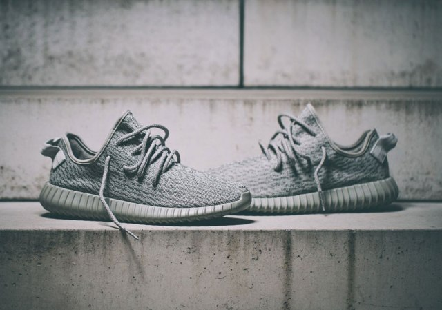 Yeezy-Boost-350-Moonrock-2