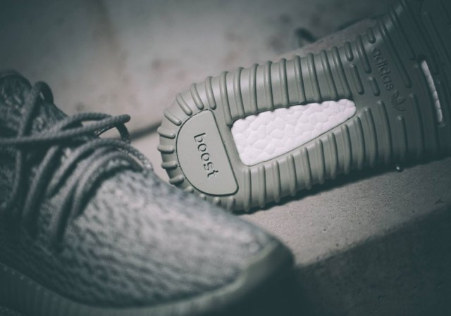Yeezy-Boost-350-Moonrock-5