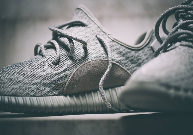 Yeezy-Boost-350-Moonrock-6